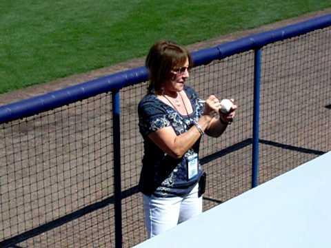 Yankees Spring 2011 Video MarkG cute interview of WCBS Radio Announcer Suzyn Waldman.mov