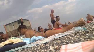 Лето. Крым. Девочки. Подглядываем :)