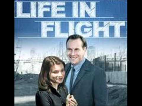 Life in Flight. Musica: Anton Sanko