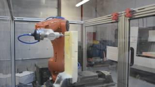 450XHD Milling Composite at 60000 mm min on Kuka KR6 Robot HD
