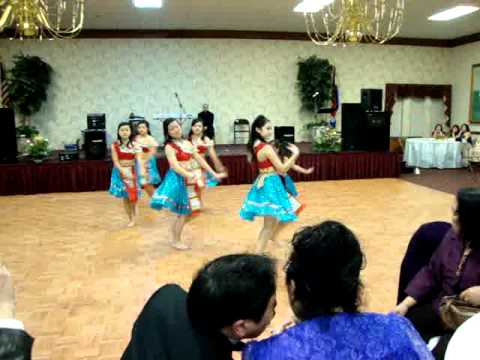 Hmong dance-Nkauj Hmoob Nas Ej