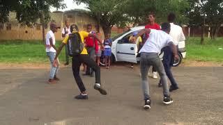 Bhenga Dance On Streets featuring School kids (Baleka Mshana) Pakisha by Mshunqisi