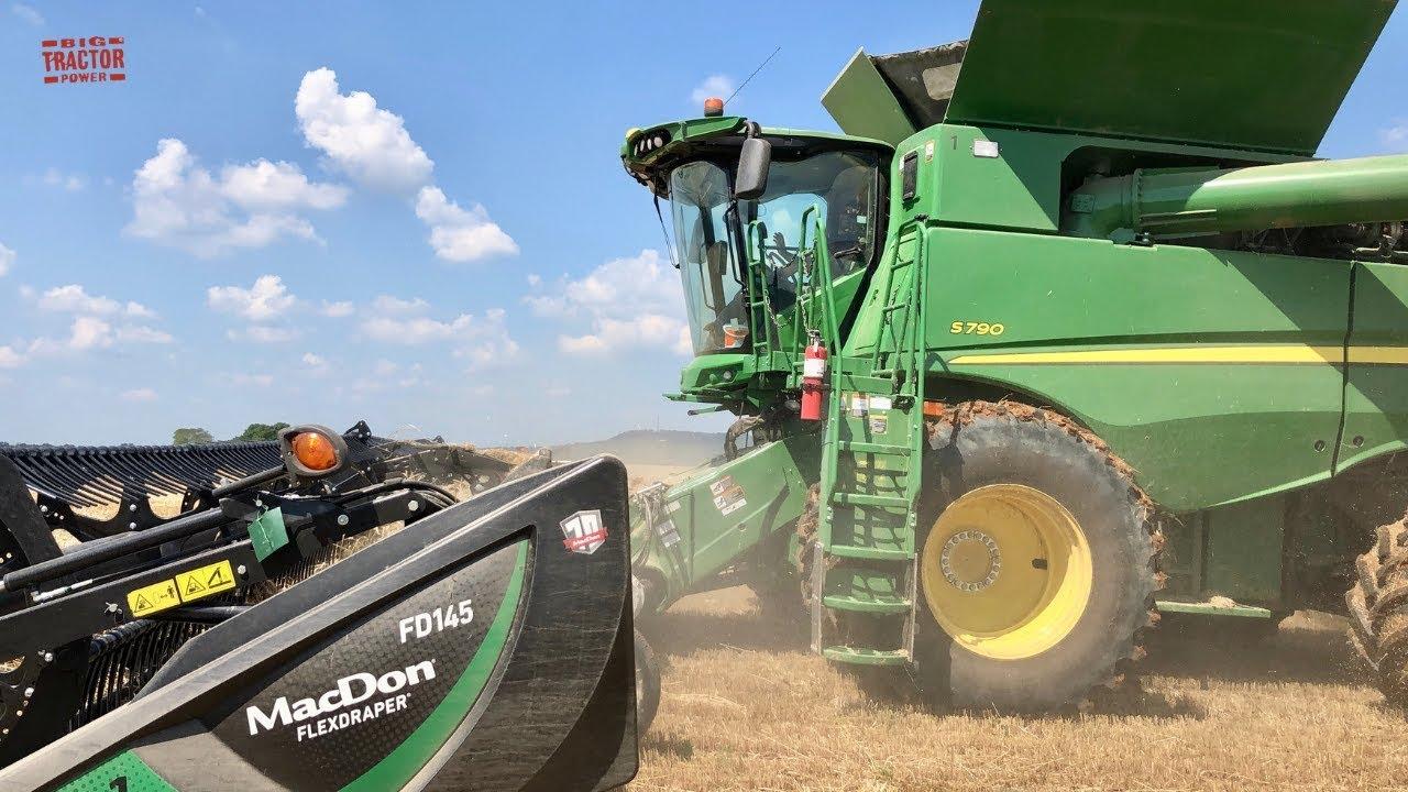 2019 John Deere S790 Combine Harvesting 45ft of Wheat