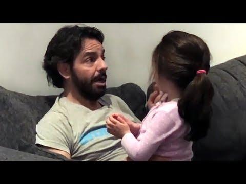 Eugenio Derbez le canta a su hija Aitana una canción de su abuela Silvia Derbez