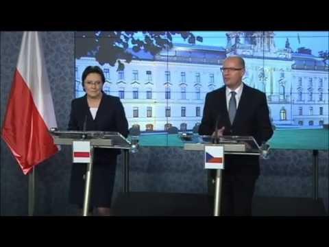 Polish PM in Prague: Ewa Kopacz meets Bohuslav Sobotka as both back EU Russian sanctions