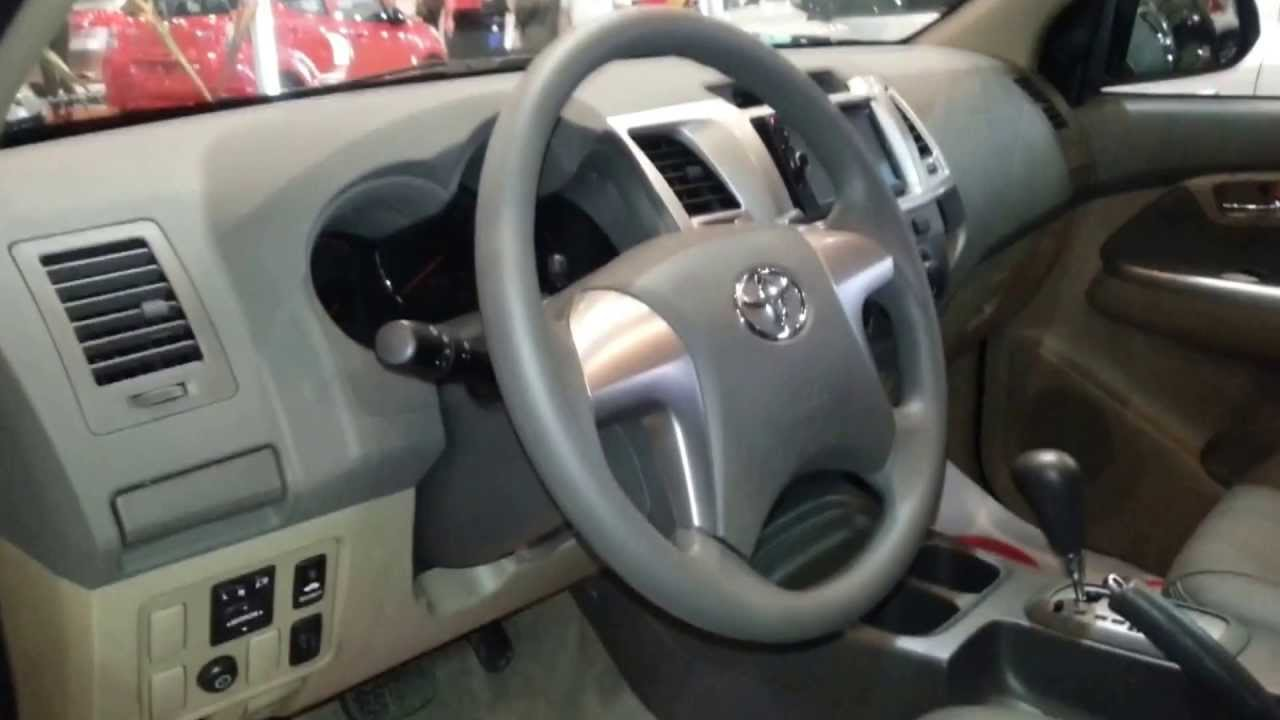 Toyota Fortuner 2015 >> Interior Toyota Fortuner Miyabi 2014 versión para Colombia FULL HD - YouTube