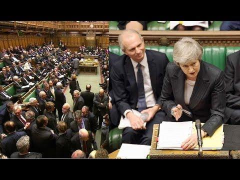 """بريطانيا: تيريزا ماي و""""عاصفة البريكست"""".. لمن تكون الغلبة؟"""