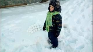 играть в снежки видео, снежколепка To play snowballs