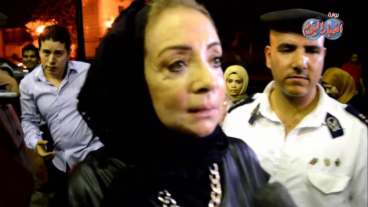 محمود ياسين وزوجته شهيرة فى عزاء عمر الشريف Youtube