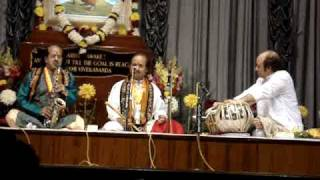 Pt. Ronu Majumdar ( Flute ) , South Indian Musician & Pt. Abhijit Banerjee ( Tabla ) Part 3