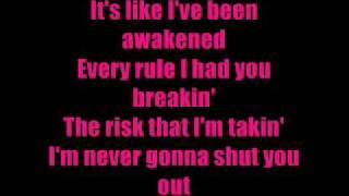 Beyoncé - Halo (With Lyrics On Screen)