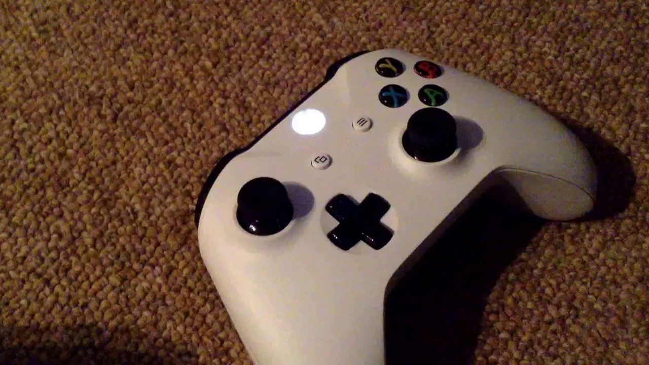 What To Do When Your Xbox One S Controller Is Flashing