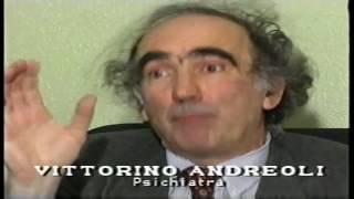 """1995 – Antenna 3 * Stefania Cioce intervista Vittorino Andreoli sul libro  """"Camice matto"""""""