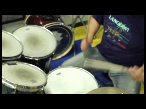 Tamburo Opera Slow Funk Rhythm