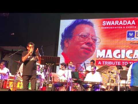Amit Kumar singing Musafir Hoon Yaaron-Mumbai 2017 Concert Live(R.D Burman)