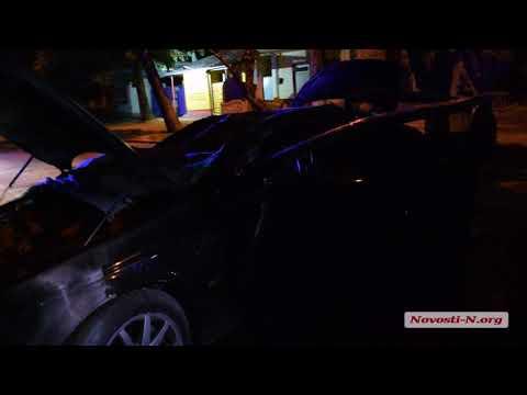 Видео 'Новости-N': В  Николаеве пьяный водитель на Jaguar влетел в дерево