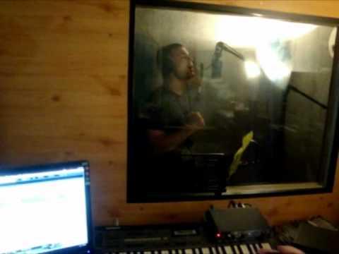 Slobodan Batjarevic-Cobe-KOJA DUSA feat StudioBojanZekic_na snimanju pesme u studiju
