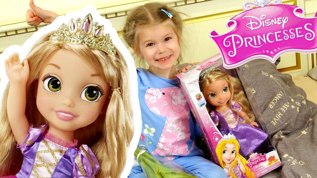 Куклы рапунцель сделаны по образу и подобию главной героини юбилейного 50-го полнометражного мультфильма студии walt disney