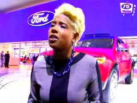 KELIS BLEACHED HER HAIR!!!!