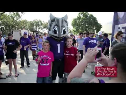 Discover Fort Worth: TCU Frog Alley