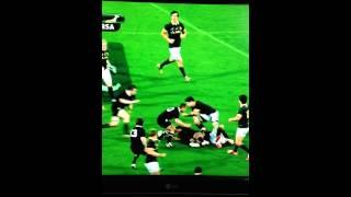 Richie McCaw shoulder charge on Francois Louw