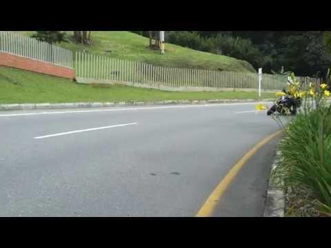 Bajaj 200NS Racing top speed Medellin Colombia Sebastian H ktm duke 390 - RADIO MIX HN