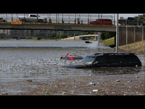 Houston Flood - Terror Movie like scene car lost Texas Flooding 2015