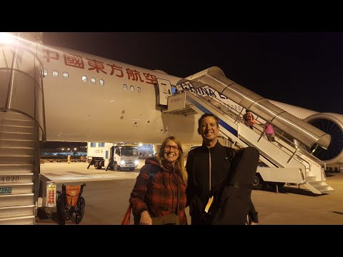 Travel New York (JFK) - Shanghai (PVG) 15 hrs, Maglev train to city, night-time food and fruit shop