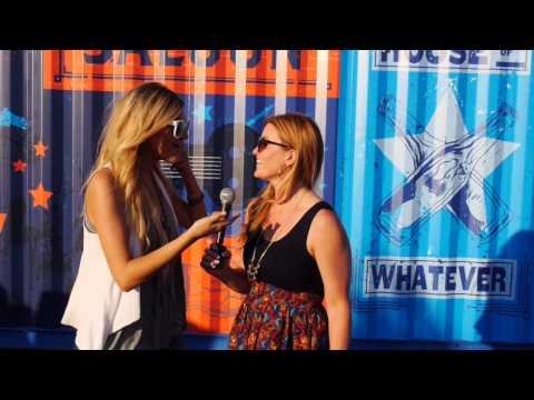 Kelsea Ballerini Practices Karaoke // CMA Music Festival // One Country