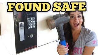 FOUND LOCKED SAFE I Bought Abandoned Storage Unit Locker Opening Mystery Boxes Storage Wars Auction
