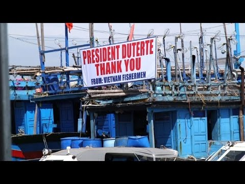 Philippine Leader Sets 17 Vietnamese Fishermen Free