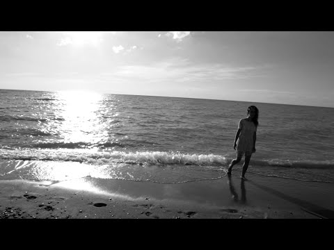 Celtae Lynne - Warm Summer Nights (Official Music Video)