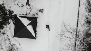 雪の阿蘇で電動アシスト自転車 でポタリング。橋の上は凍っていた 一人...