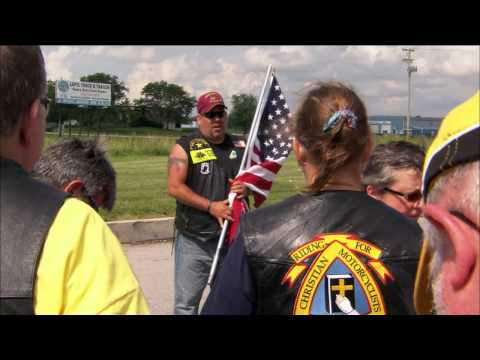 The Morning Rush - Bikers Surprise 86-Year-Old Vet With Ride Along