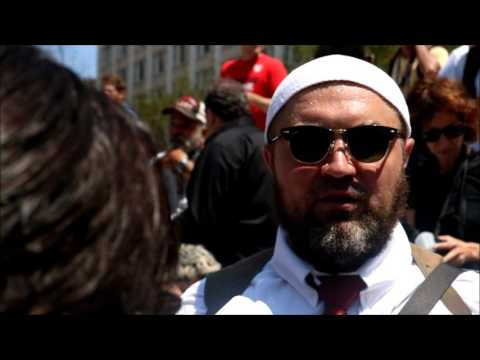 Gun Carrying MUSLIM DEFENDS BLACK PANTHERS @ RNC (Not seen on T.V.)