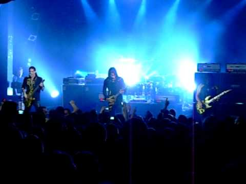 STRYPER - REACH OUT  (LIVE at Billboard - Melbourne, Australia) August 24, 2010