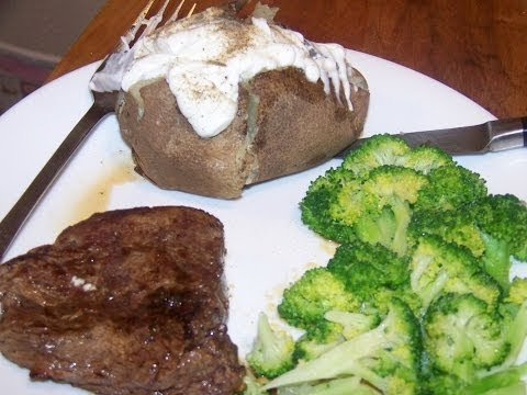 beef-fillet-mignon-w/-vanilla-potato-broccoli-3/5-chef-john-the-ghetto-gourmet-show