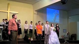 Фрагмент венчания в церкви