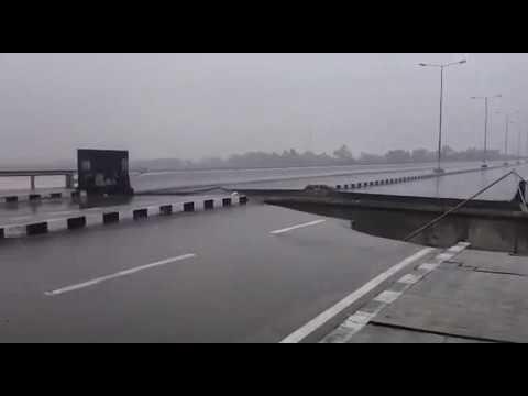 Flooding destroy bridge