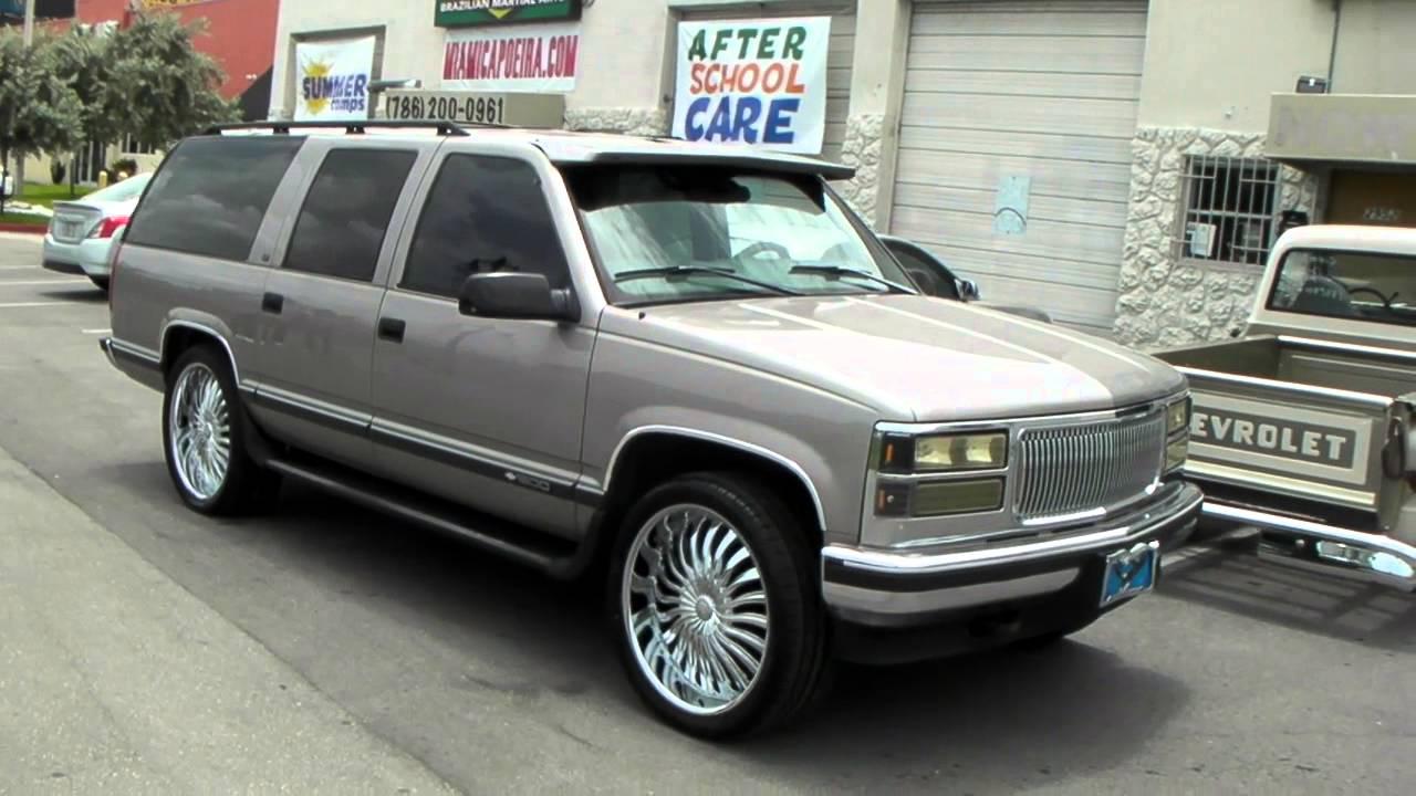 877 544 8473 24 inch borghini b24 chrome rims 1999 chevy suburban wheels free shipping youtube [ 1280 x 720 Pixel ]