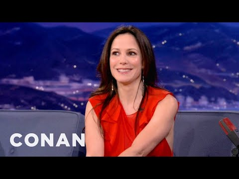 Bruce Willis Shot A Bee By MaryLouise Parker's Face