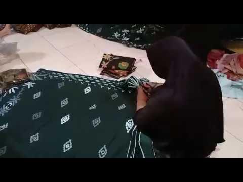 Indonesian batik fabric wholesale for sarong and clothing at batikdlidir
