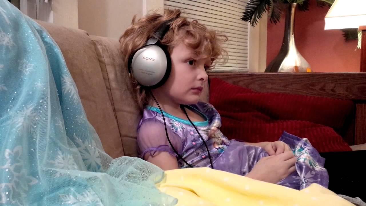Watching Frozen in new Frozen nightgowns - YouTube