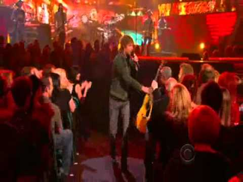 Dierks Bentley - Am I The Only One Live at the 46th ACM Awards 2011
