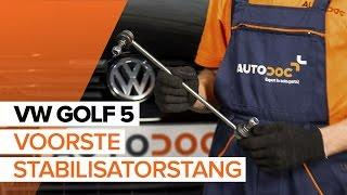 Hoe Stabilisatorkoppelstang vervangen VW GOLF V (1K1) - video gratis online