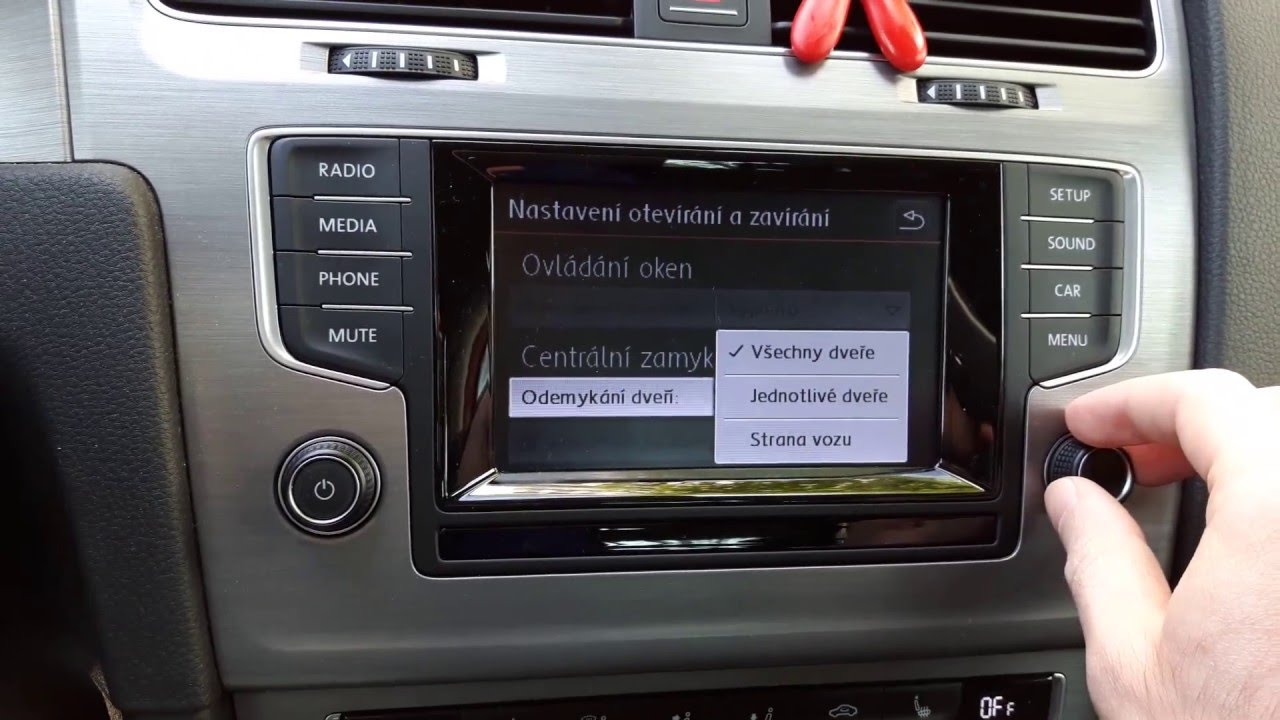 vw golf vii car settings menu in composition media radio. Black Bedroom Furniture Sets. Home Design Ideas