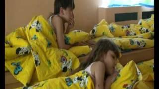 Repeat youtube video Один день в детском саду. Тихий час.