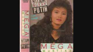 Video Mega Mustika _ Hitam Bukan Putih download MP3, 3GP, MP4, WEBM, AVI, FLV Agustus 2017