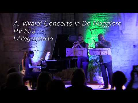 A.Vivaldi RV 533 Concerto Do Maggiore  (two piccolos and piano)