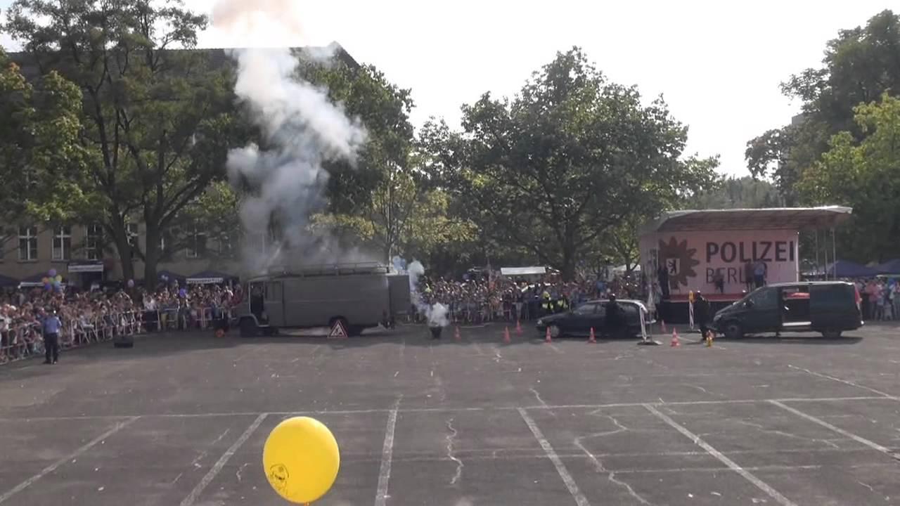 Offene tür berlin  Tag der offenen Tür 2014 Polizei Berlin: SEK- Festnahme in ...